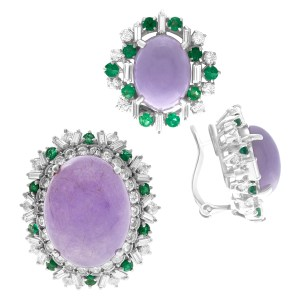 Lovely quartz set in 18k white gold with emerald and diamond accents