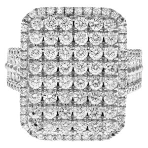 Rectangular diamond ring in 18k white gold, 3.50 cts round diamonds. Size 6.