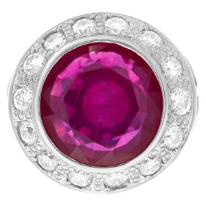Lead glass composite ruby (19.20 cts) & diamond (5.20 cts) ring in 18k white gold