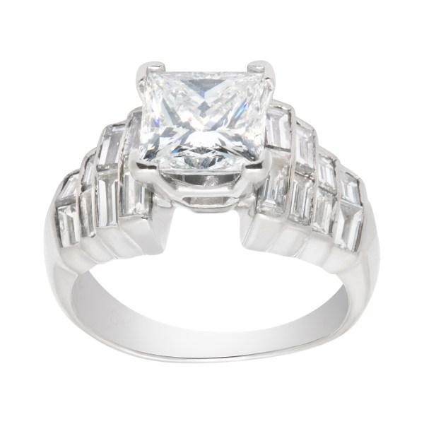 GIA certified square modified brilliant cut diamond ring 2.03 carats (E color, SI1 clarity)