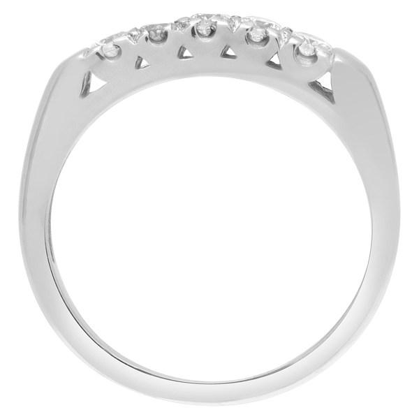 Diamond ring in 18k white gold