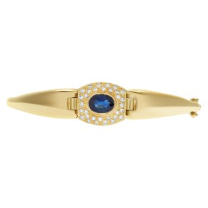 Bracelet with deep blue sapphire and diamond accents in 18k yellow gold