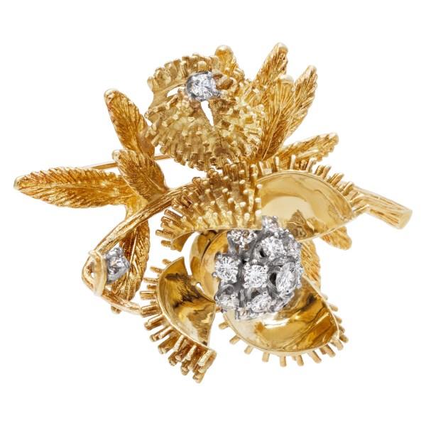 Blossoming diamond flower brooch in 18k