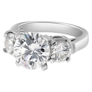 Gia certified 3.04 carat round brilliant cut diamond ( H color, VS2 clarity)