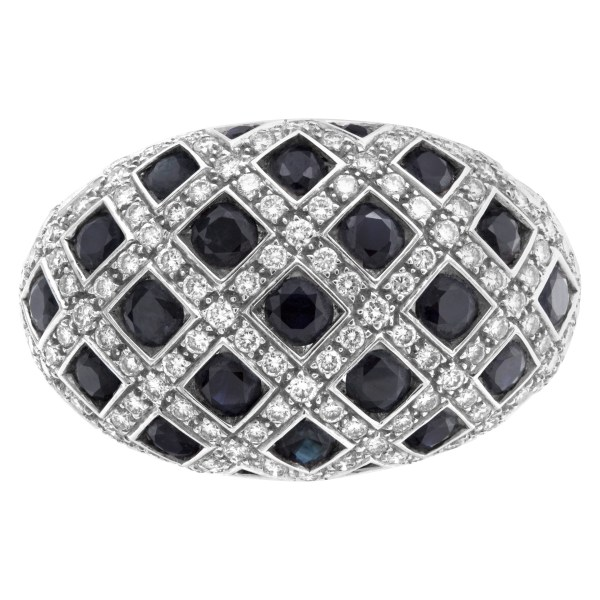 Diamond and sapphire ring in 18k white gold