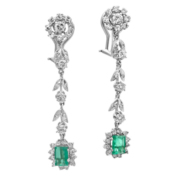 Dangling earrings with over 1 carat in diamonds and 0.50 carat in emeralds