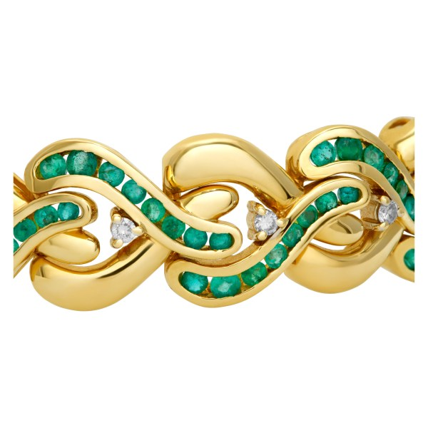 Emerald and diamond bracelet in 14k yellow gold