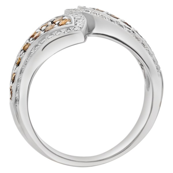 Champagne and white diamond ring in 18k gold