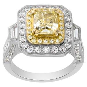 Light yellow diamond ring in 18k white gold