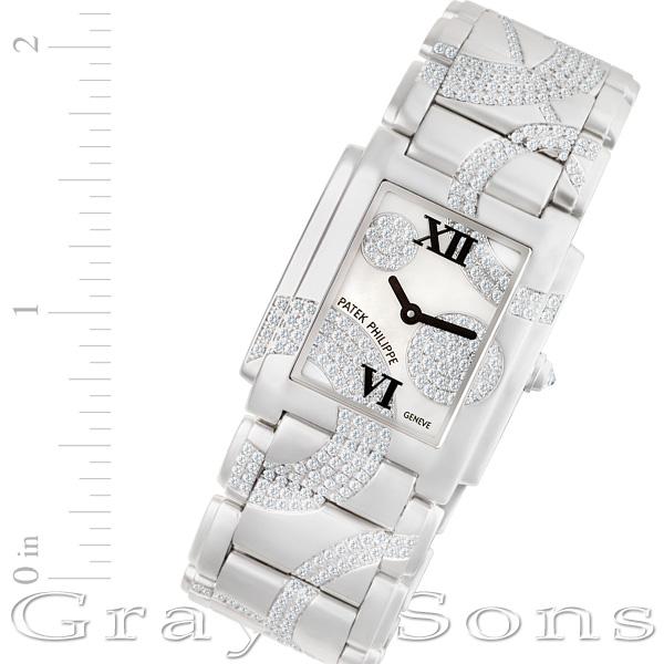 Patek Philippe Twenty 4 4910/49G 18k white gold mm Quartz watch