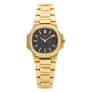 Patek Philippe Nautilus 4700/1 18k Black dial 24mm Quartz watch