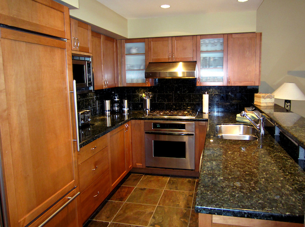Fully Outfitted Gourmet Kitchen