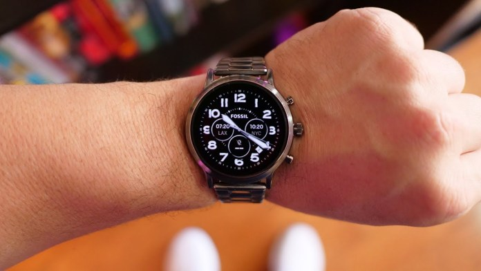 The Carlyle HR Gen 5 Fossil Smartwatch