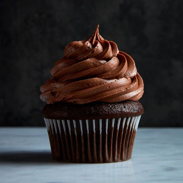 chocolate-cupcake-with-chocolate-buttercream-icing-1.jpg