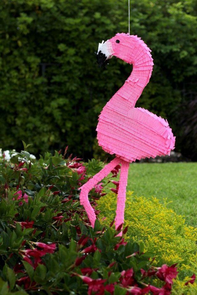 DIY-Flamingo-Pinata1