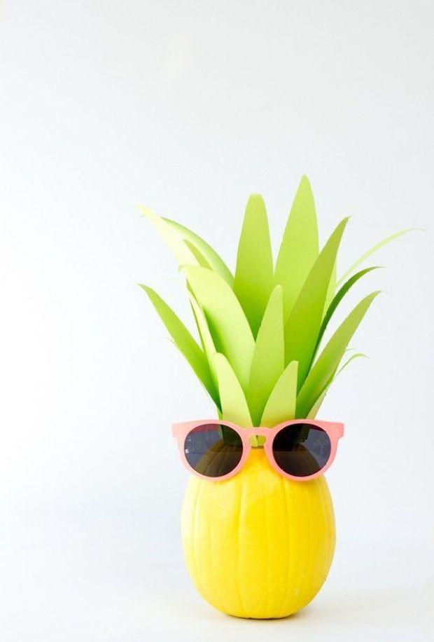 DIY-Pineapple-Pumpkin2-600x887