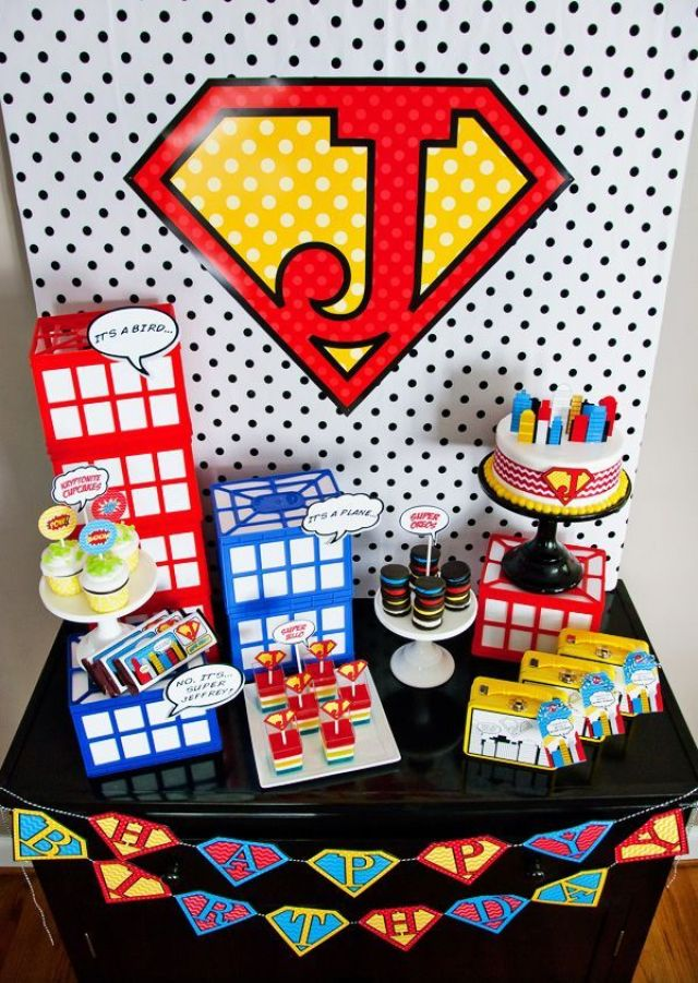 super-hero-party-Dessert-Table