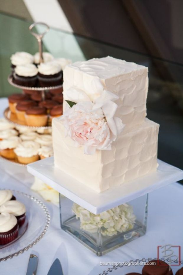 small-square-wedding-cake-textured-spackled-butter-cream-2