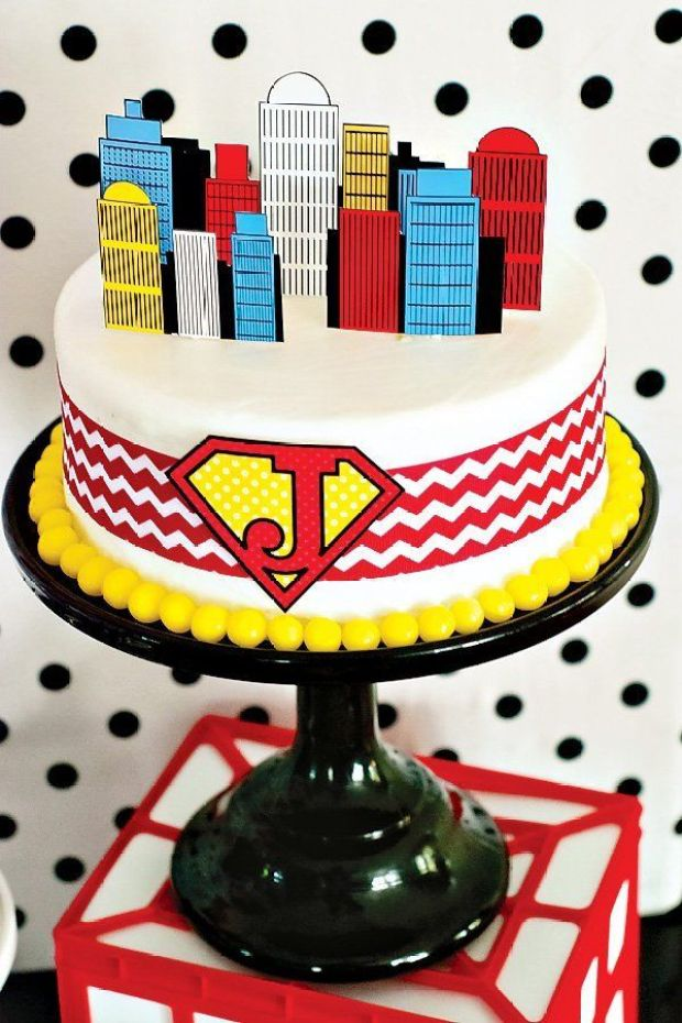 super-hero-party-cake