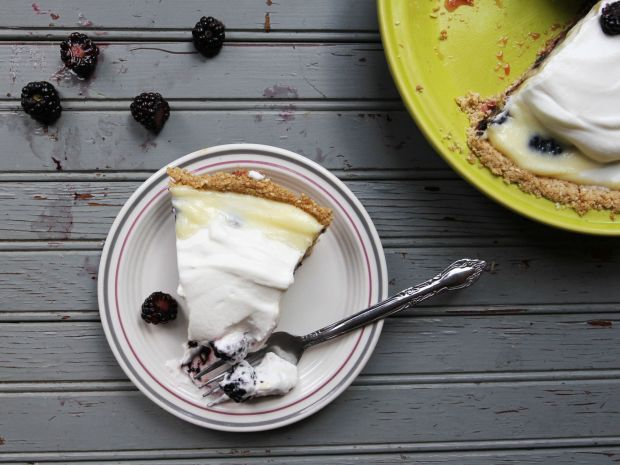 blackberry-cream-pie02_2000x1500