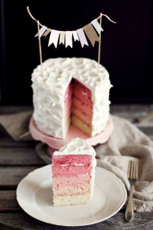 Gender-Reveal-Ombre-Cake