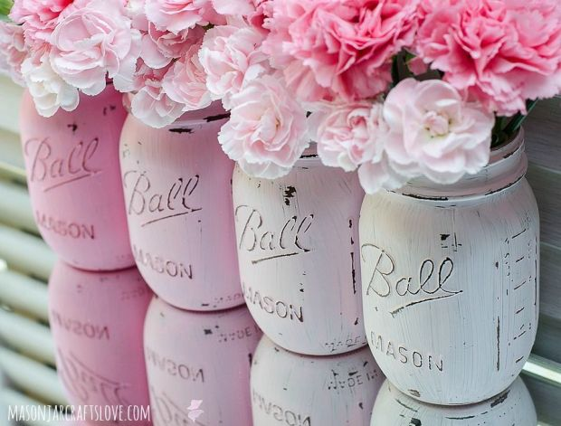 Pink-Ombre-Painted-Mason-Jars