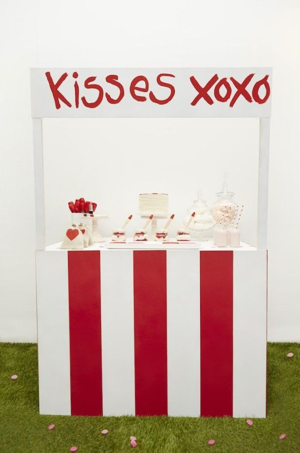 Kissing-Booth-Valentines-Day-Party-via-Karas-Party-Ideas-KarasPartyIdeas.com2_