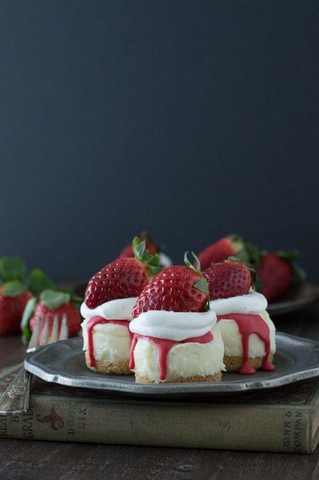 No-Bake-White-Chocolate-Strawberry-Cheesecakes-6B.jpg
