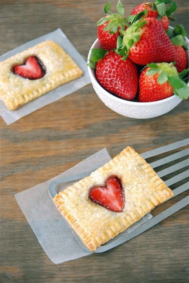 strawberry-nutella-poptarts-2-sm.jpg