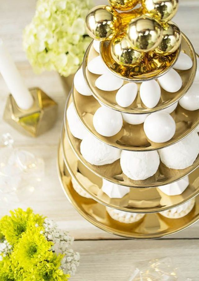 RO-96231-dessert-pedestal-tower-gold-and-white-set-of-6-a510