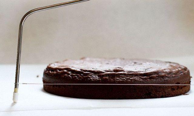 2012_07_18_999_8.how-to-level-cake.jpg