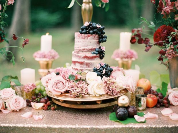 Gold-sequins-red-berries-and-naked-cake-in-woodland-setting-Marwell-Hotel-by-Jenny-Owens-Photography-3.jpg