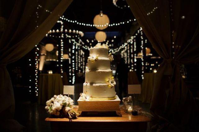 Rustic-Chic-Wedding-Design_Gorgeous-Wedding-Cake_Raw-Cotton_Southern-Wedding_KG-Designs-Birmingham-Alabama (1).jpg