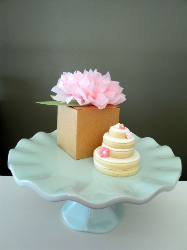 900_634709eul3_stacked-wedding-cake-cookies.jpg