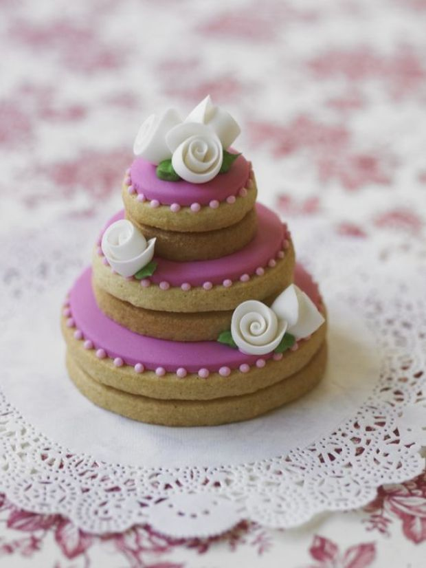 wedding cake stacked cookies stacked cookies las galletas apiladas luz angela 25585
