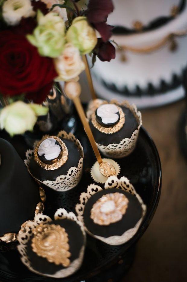 Luxurious-Black-Gold-Wedding-Inspiration-Kate-Nielen-Photography-Bridal-Musings-Wedding-Blog-21 (1).jpg