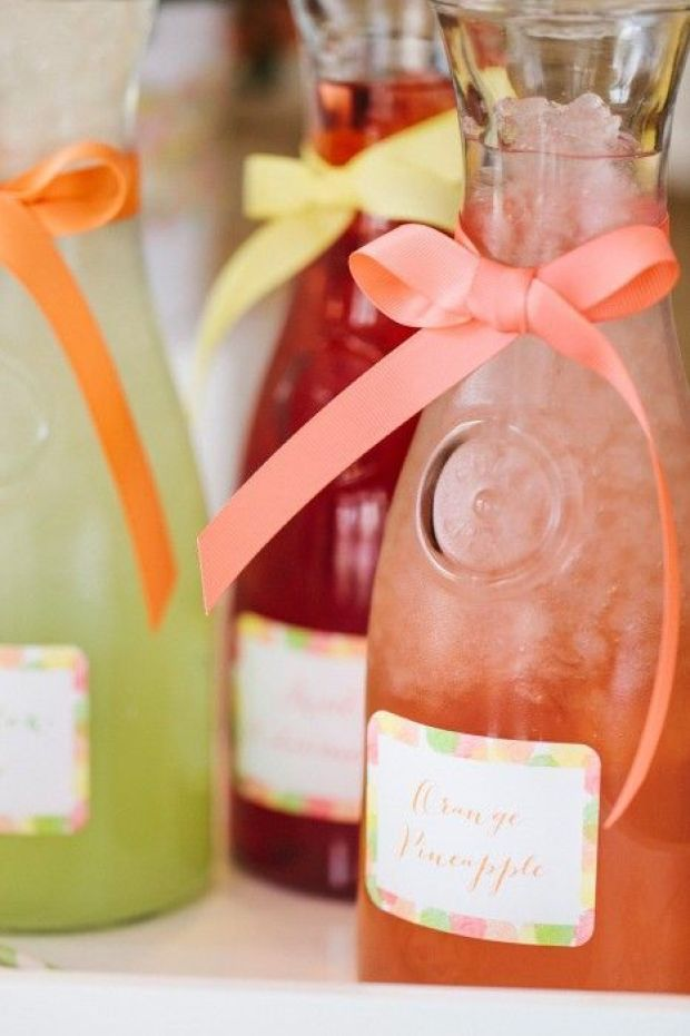 mothers-day-juice-carafes-466x700.jpg