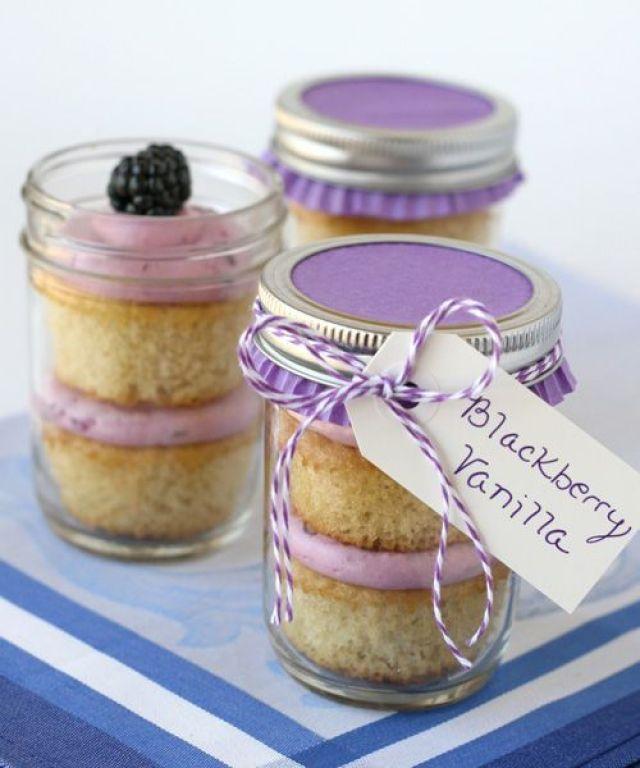 Blackberry-cupcakes-with-li