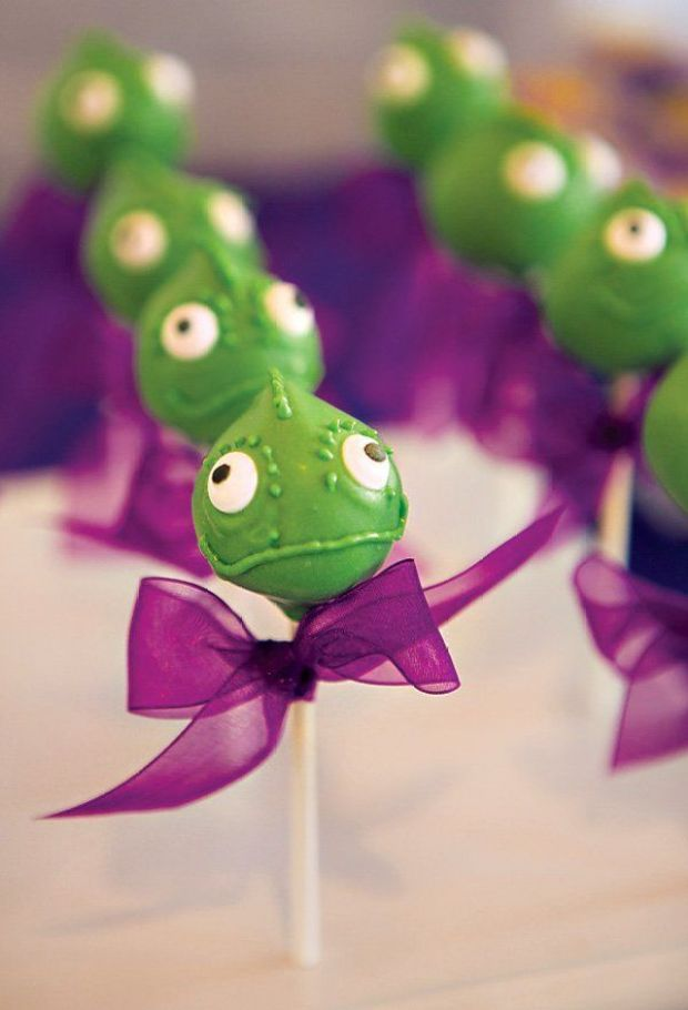 pascal-chameleon-cake-pops