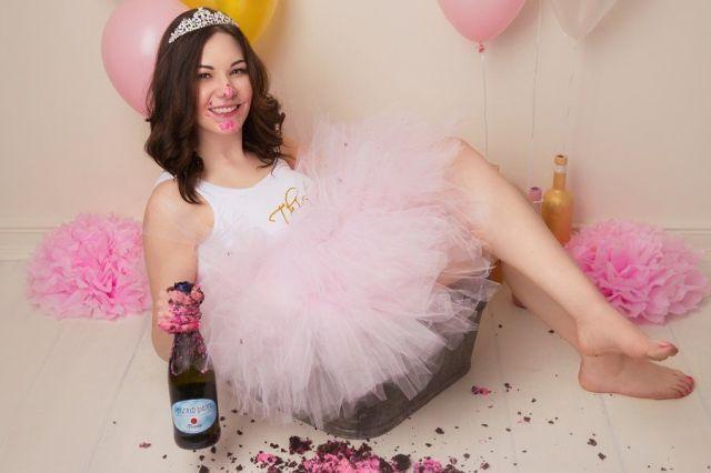 Adult-Cake-Smash-Birthday-Photos.jpg