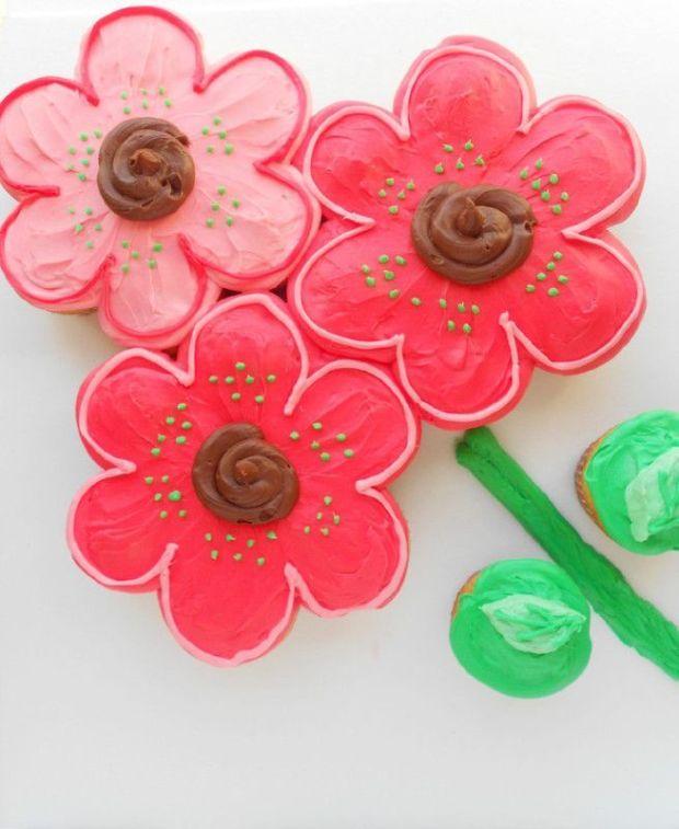 flowerpullapartcake (1).jpg
