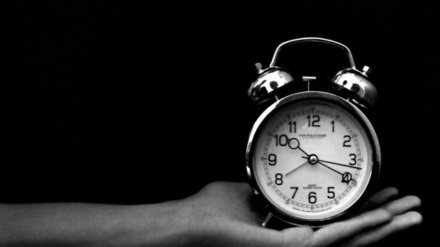 old_clock_black_and_white-LOMO_style_photography_Works_Desktop_1366x768.jpg