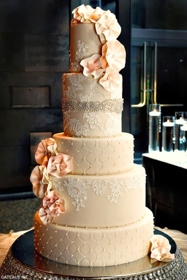 lace-wedding-cakes-10.jpg