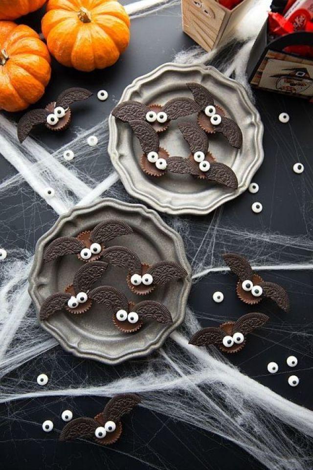 gallery-1471362098-4-ingredient-bat-halloween-treats.jpg