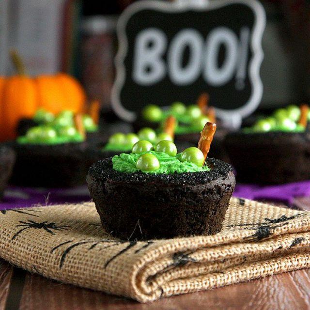 Cauldron-Cookie-Cups-1.jpg