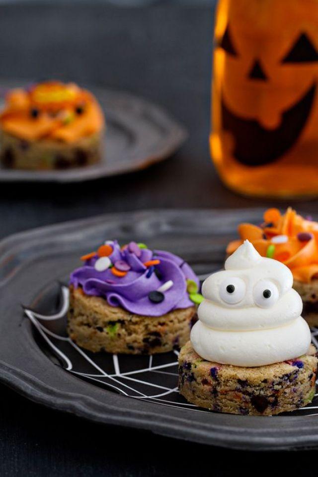 halloweenchocolatechipcookies.jpg