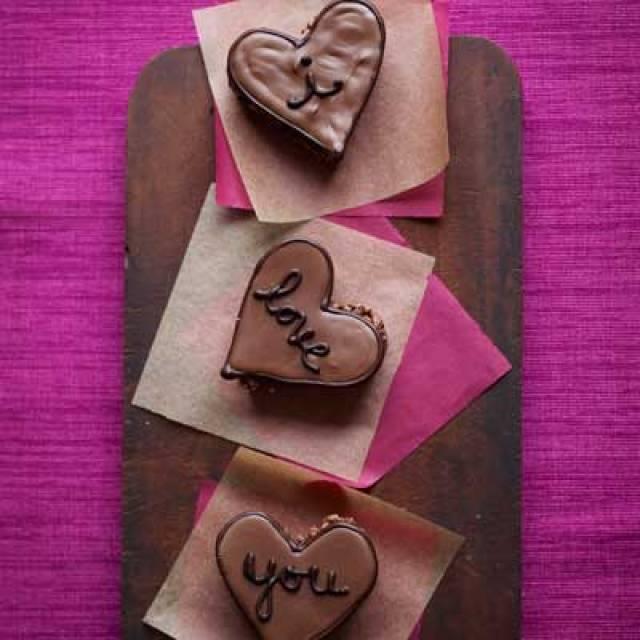 54fe4b9d3ac81-hazelnut-hearts-recipe-ghk0212-lgn.jpg