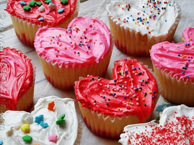 Valentine-Heart-Cupcakes5.jpg
