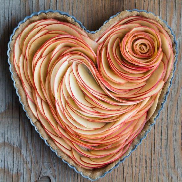 Valentines-Apple-Rose-Tart-4.jpg