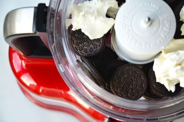 cookie-cream-cheese-food-processor
